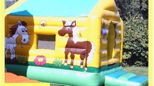 Hüpfburg Pony mieten: Hüpfburg mit Ponymotiven, Dach ...