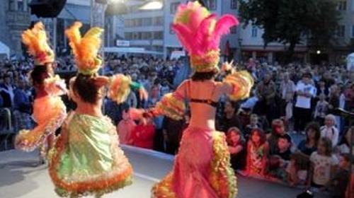 Buchen Sie bundesweit schöne Sambatänzerinnen (Samba Show buchen) ab € 390,00