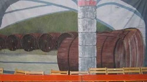 Wein Keller Kulissen, Weinkeller, Gewölbe, Gewölbekeller, Keller, Weinbau, Weinberg, Weinfass, Weinfässer, Dekoration