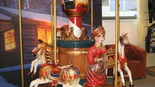 Kinder Karussell, Karussell, Karoussell, Jahrmarkt, Rummel, Kirmes, Messe, Dekoration, Rummelplatz, Ringelreiten