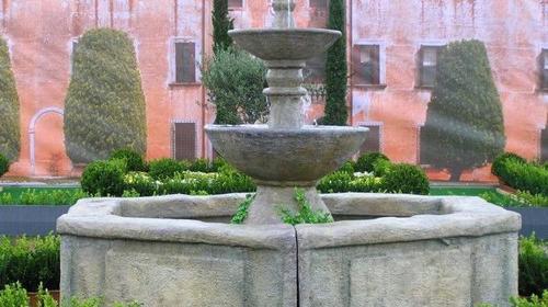 Brunnen, Steinbrunnen, Dorfbrunnen, Marktplatz, Markt, Platz, mediterran, Event, Messe, Veranstaltung, leihen, mieten