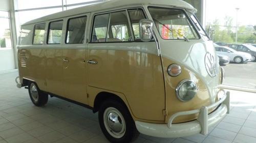 "Volkswagen T1 ""Bulli"" Oldtimer 8 Sitze mit Fahrer."