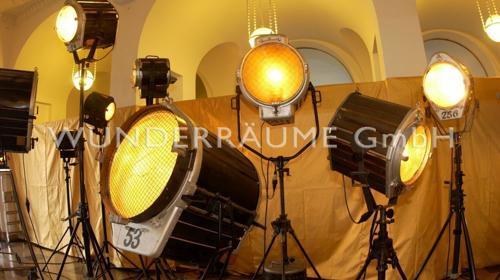 100 Filmscheinwerfer Nostalgie; einmalig, WUNDERRÄUME GmbH vermietet: Dekoration/Kulisse für Event, Messe, Veranstaltung, Incentive, Mitarbeiterfest, Firmenjubiläum