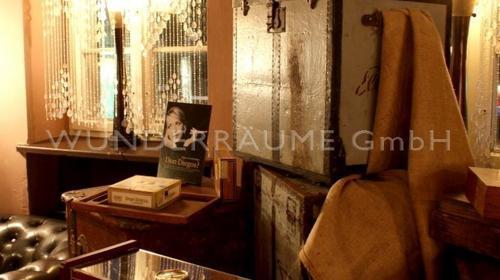 Kisten & Koffer für Havanna-Lounge; WUNDERRÄUME GmbH vermietet: Dekoration/Kulisse für Event, Messe, Veranstaltung, Incentive, Mitarbeiterfest, Firmenjubiläum