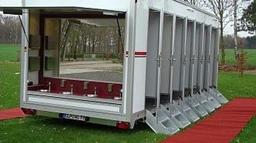 Vip Toilettenwagen XXL | 12 Toiletten | 4 Urinale