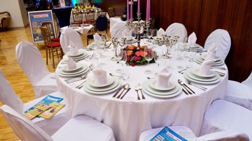 Tischdecke rund 320 cm Durchmesser weiß