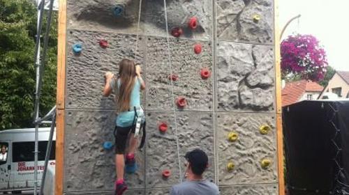 Kletterwand ~ 3m breit