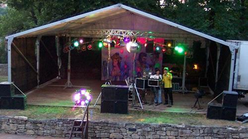 Bühne mit Zeltüberdachung 10 x 10 m