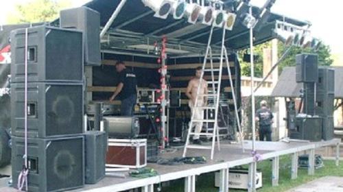 Bühne zum dranhängen ca. 6 x 4 m