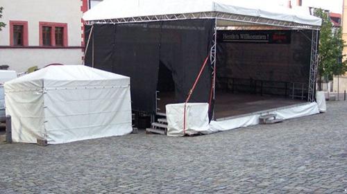 Bühne mit Dach Traversensystem 8 x 6m