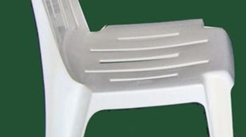 Stapelsessel aus Kunststoff ohne Armlehne