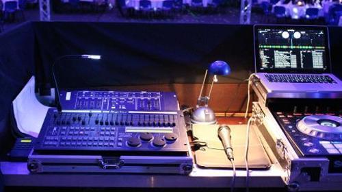 Behringer MX 8000 / Mischpult / Tonregiepult / Mischer / Mixer