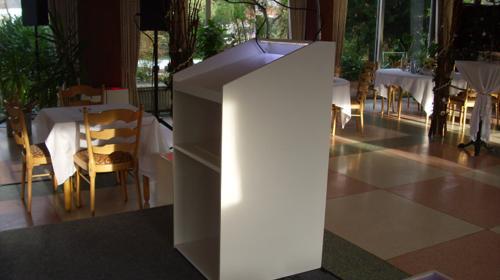 Rednerpult mit LED Beleuchtung und Schwanenhals für Mikrofone in weiß, Mikrofon