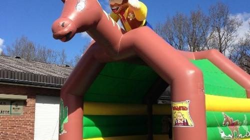 Hüpfburg Cowboy/ Hüpfkissen mit Betreuer