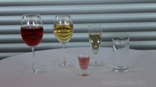 Verschiedene Gläser für Ihr Fest zu Vermieten. Geschirr, Grillgeräte uvm.