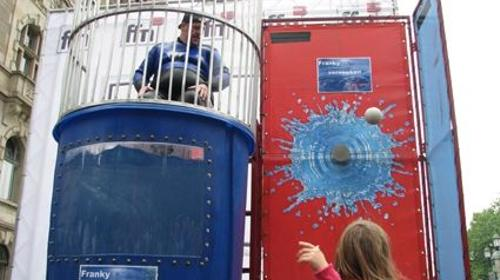 DUNK TANK / EASY DUNKER