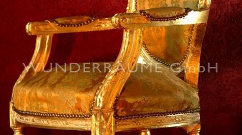 Goldener Stuhl - WUNDERRÄUME GmbH vermietet: Dekoration/Kulisse für Event, Messe, Veranstaltung, Incentive, Mitarbeiterfest, Firmenjubiläum