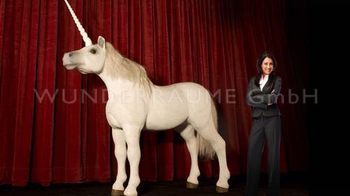 Weißes Einhorn - Pferd - lebensgroß WUNDERRÄUME GmbH vermietet: Dekoration / Kulisse für Event, Messe, Veranstaltung, Incentive, Mitarbeiterfest, Firmenjubiläum