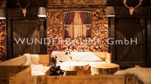 Holztür rustikal - WUNDERRÄUME GmbH vermietet: Dekoration/Kulisse für Event, Messe, Veranstaltung, Incentive, Mitarbeiterfest, Firmenjubiläum