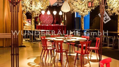 Tisch rund, schwarz - WUNDERRÄUME GmbH vermietet: Dekoration/Kulisse für Event, Messe, Veranstaltung, Incentive, Mitarbeiterfest, Firmenjubiläum