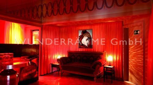 Roter Salon - WUNDERRÄUME GmbH vermietet: Dekoration/Kulisse für Event, Messe, Veranstaltung, Incentive, Mitarbeiterfest, Firmenjubiläum