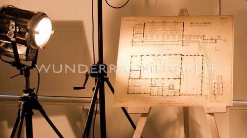 Staffelei Holz - WUNDERRÄUME GmbH vermietet: Dekoration/Kulisse für Event, Messe, Veranstaltung, Incentive, Mitarbeiterfest, Firmenjubiläum