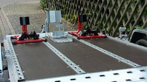 hydraulisch absenkbarer Anhänger für 1-3 Motorräder, Quads Rasenmäher und ähnliches