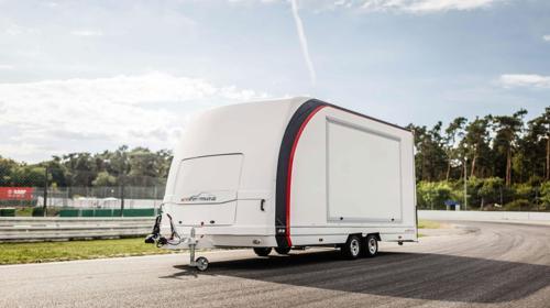 Geschlossener Fahrzeugtransportanhänger MST26 – Motorsport-trailer.de