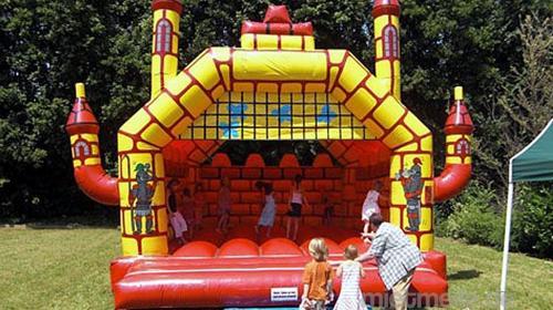 Hüpfburg L 1 für 12- 16 Kinder im Burgdesign