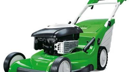 Rasenmäher, Benzinrasenmäher mit Hinterradantrieb, Gartenmäher, Gartenwerkzeug, Gartengeraete