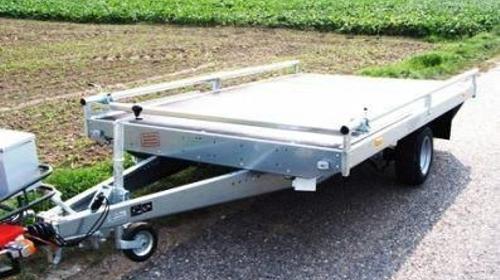 Plattformanhänger mit Reling + Auffahrrampen 1500 kg gebremst / 100 km/h - 3000 x 1840 - Nutzlast ca. 1100 kg