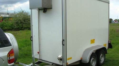 Kühlanhänger Tieflader  2000 kg gebremst  - 3000 x 1500 x 1900 - Nutzlast ca. 1400 kg Kühlkoffer, Kühlanhänger / Kühlwagen / Kühlkofferanhänger