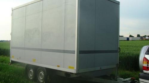 Kofferanhänger  abschließbar 2500 kg gebremst 4020 x 2010 x 2180 / 100 km/h