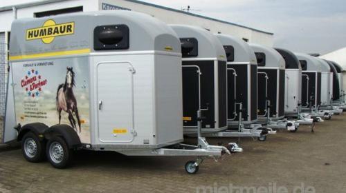 Pferdeanhänger 3157 x 1714 x 2364 Alu Servicetüre Tieflader 2.000 kg gebremst 100 km/h für Urlaub mit Pferden inkl. Panikentriegelung