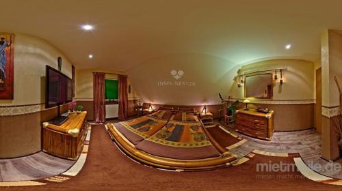 Saunasuite Miami Ein ausgesprochenes Wohlfühlparadies im afrikanischen Stil mit Bambusbett, exklusiver Pärchensauna auf dem Zimmer. Ihre ganz private Saunasuite in NRW