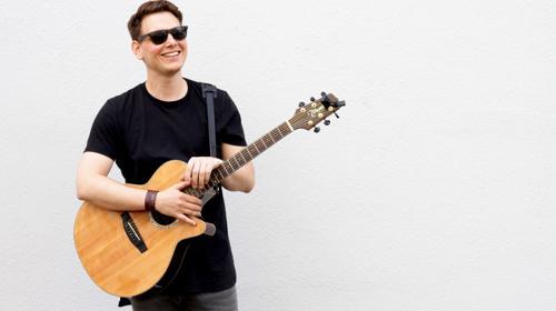 Live Musik - Sänger mit Gitarre für jedes Event