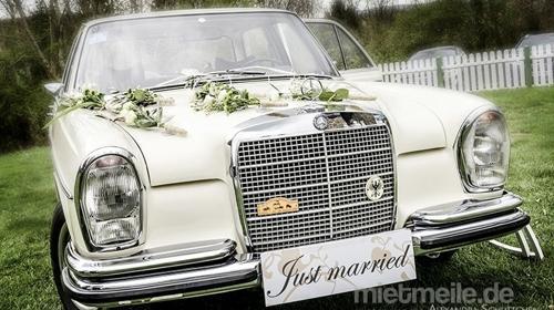 Oldtimer für Ihren Traumtag Wedding incl. Chauffeur