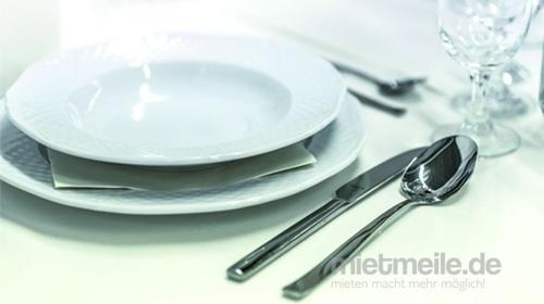 Geschirr und Besteck - Teller Gläser Tassen Messer Gabel Terrinen uvw.