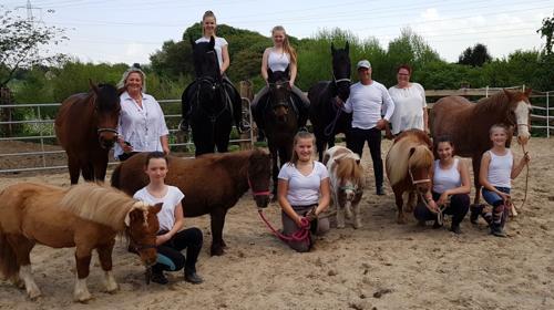 Ponyevents, Ponyreiten, Ponygeburtstag, Kindergeburtstag, Ponys mieten, Ponykutsche Kutsche, Mädchentraum, Mädchengeburtstag, Prinzessin, Geschenk, Kind, Kinder, Freizeit, Ausflug,