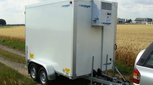 Kühlanhänger 2700 kg doppelachser 2938 x 1546 x 2000 mm bis plus 2°C Kühlung – 100 km/h