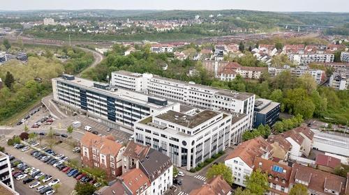 Großzügige Hallenflächen mit Sicherheitsdienst und Kantine vor Ort in Saarbrücken