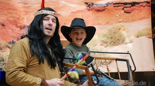 Fotoaktion mit Cowboy und Indianer auf der Kutsche inkl. 19% MwSt.