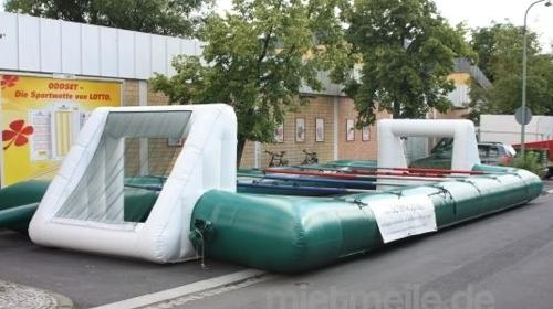 Human Table Soccer / Menschenkicker