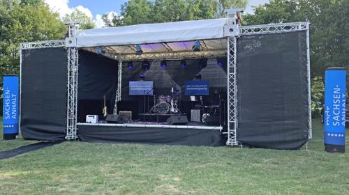 Bühne Open-Air-Bühne Ground-Support Bühne Mobilbühne mobile Bühne Bühnendach 6x4m