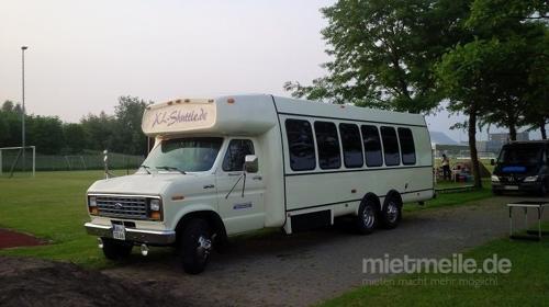 US-Reisebus (Oldtimer) mit 25 Fahrgastplätzen (NRW)