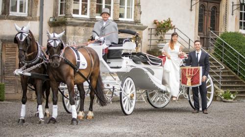 Hochzeitskutsche; Kutschfahrt; Weisse Kutsche