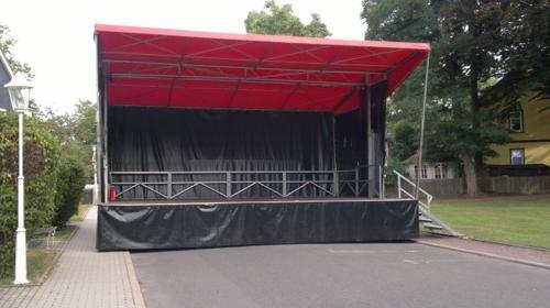 """Bühnensystem """"Willy 48″ für Stadtfest, Kundgebung, Präsentation, Roadshow, Events und Konzerte"""