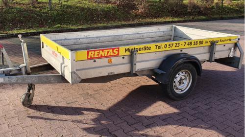 Anhänger gebremst zul. Gesamtgewicht 1.300 kg / Ladefläche 3,00 x 1,50 x 0,30 m mit 100 km/h Zulassung