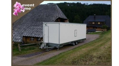 Duschtrailer / Duschcontainer / Mobile Duschen für Firmenlauf, Firmencup, Laufveranstaltung