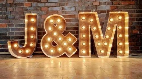 Leuchtbuchstaben und Vintage Love Letters mit Glühbirnen / verschiedene Größen und Schriftzüge